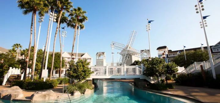 5 Best Pools at Walt Disney World Resorts