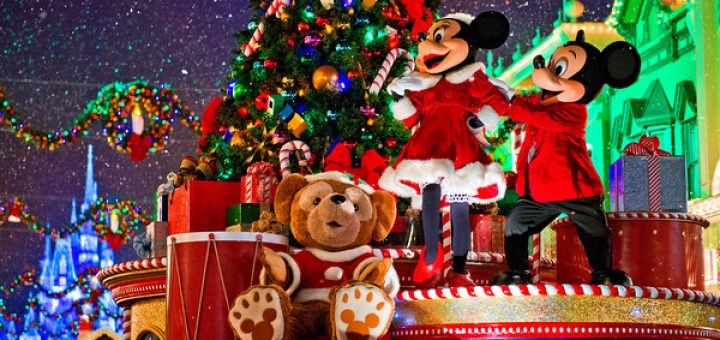which disneyland parade should you see - When Does Disneyland Decorate For Christmas 2018