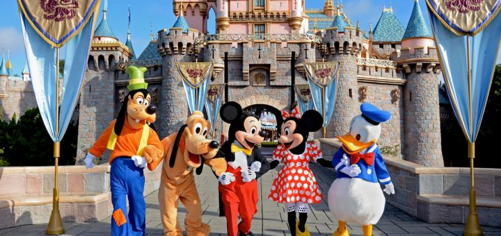 Its time to book a trip to disneyland mickeyblog its time to book a trip to disneyland publicscrutiny Image collections