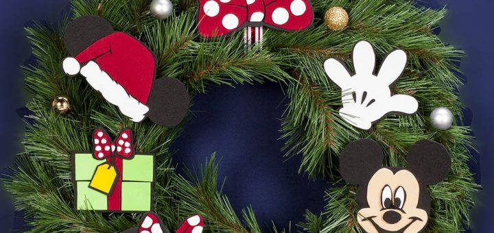Mickey & Minnie Holiday Wrreath