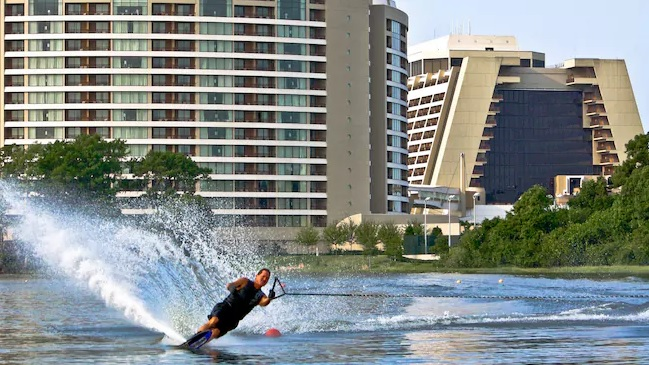 Contemporary water skiing