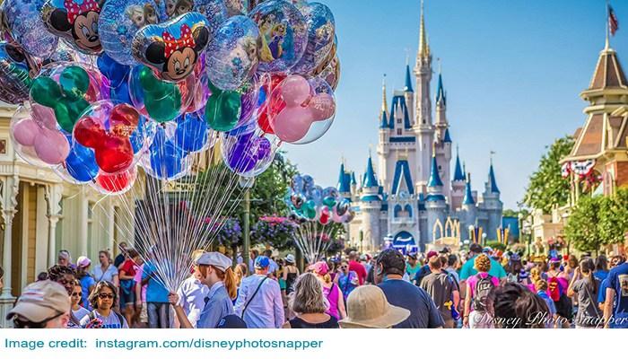 Disney balloon vendor