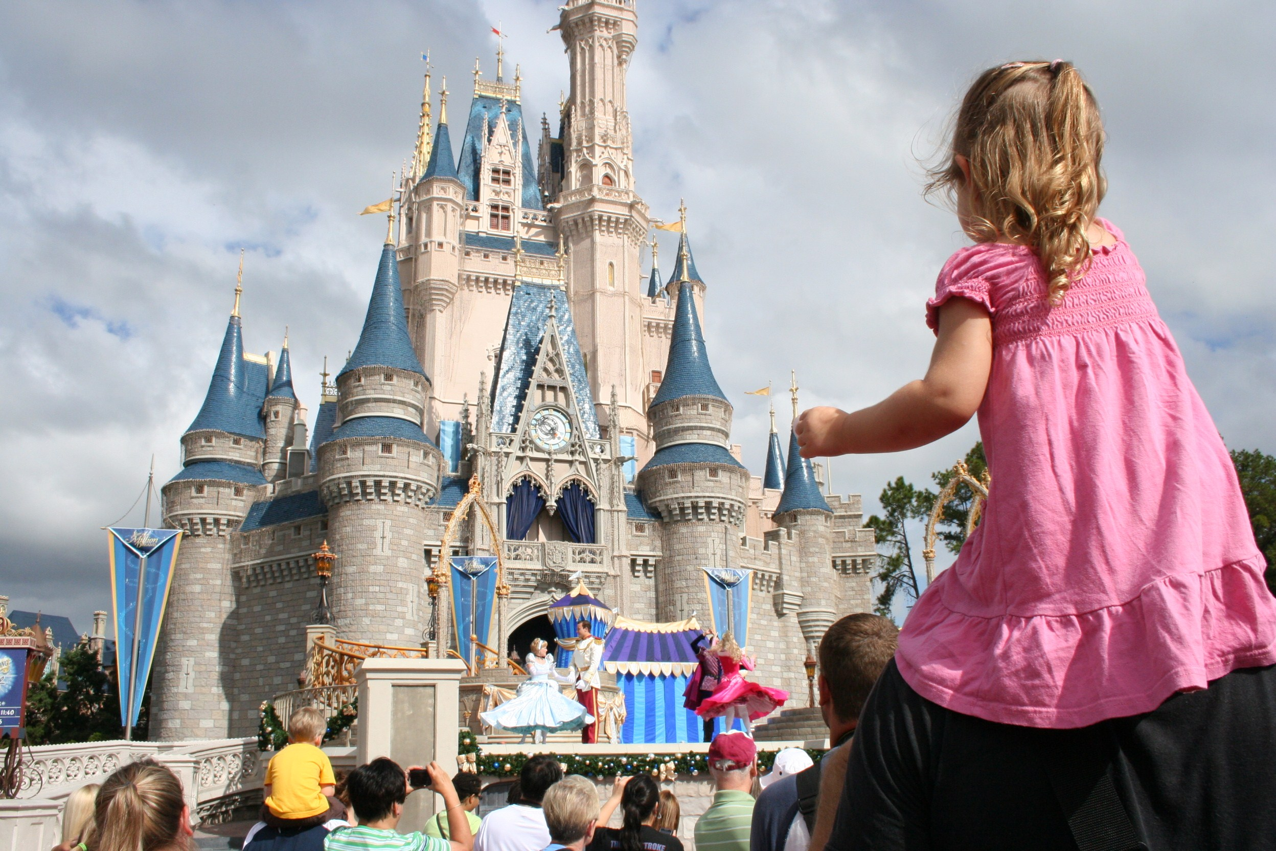best age to bring children to Disney