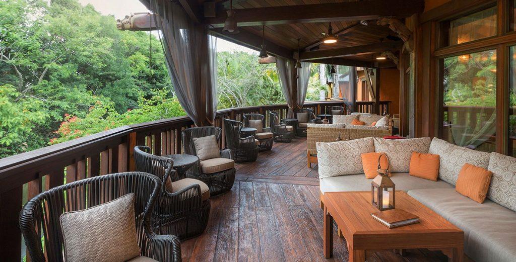 a-z nomad lounge