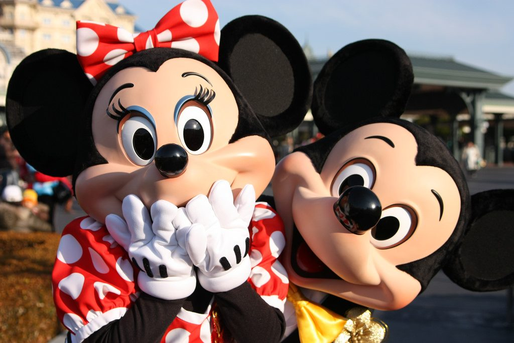Mickey Minnie Surprise