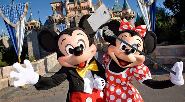 Disney selfie stick ban