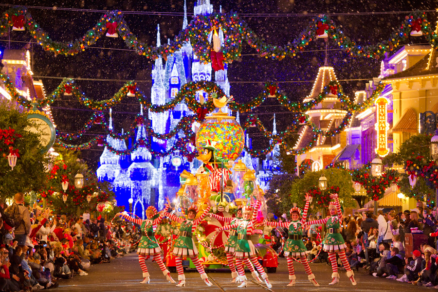 disney world 2018 holiday season - When Does Disney Decorate For Christmas 2018