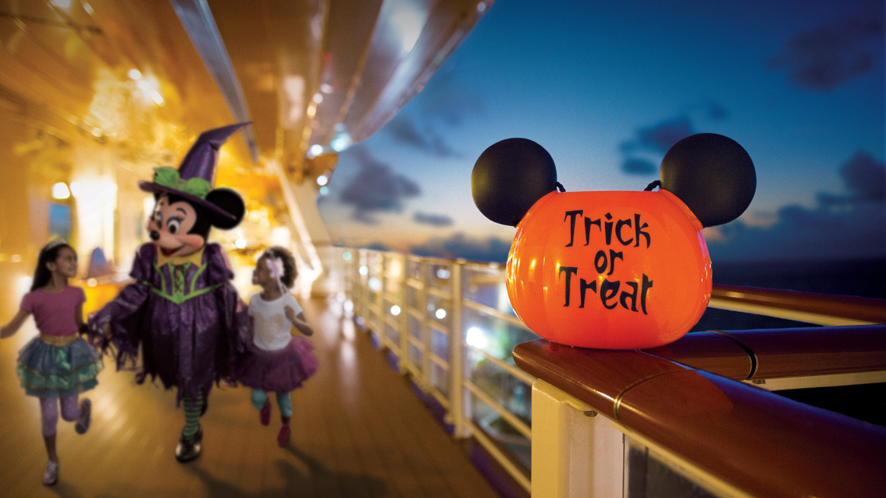 Halloween Disney High Seas Black And White 2020 Halloween Logo Dates for Spook tacular Fall 2021 Halloween on the High Seas