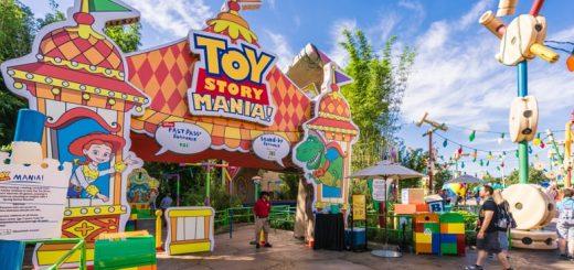 Disney Early Morning Magic Toy Story Land