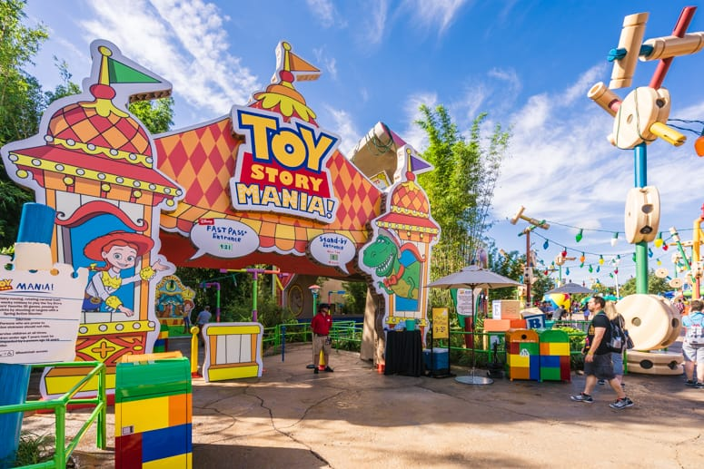 Disney Early Morning Magic Toy Story Land