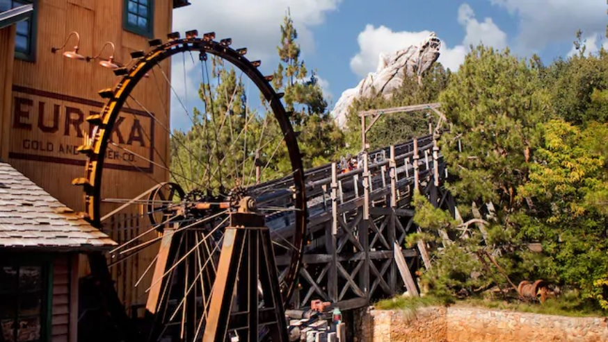 Grizzly River Run Warming Hut