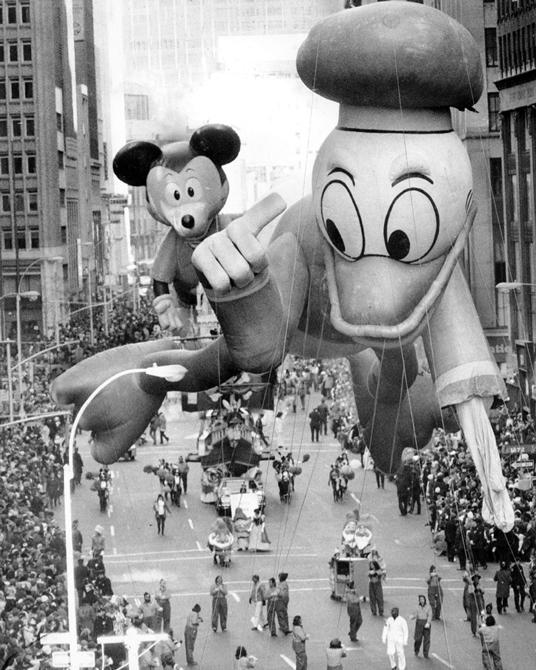 Donald Thanksgiving Parade