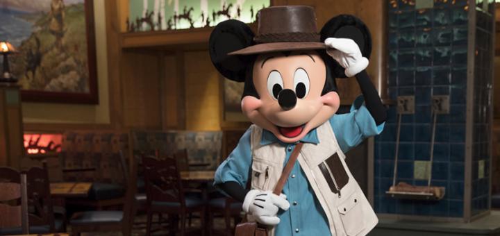 Character Dining Disneyland