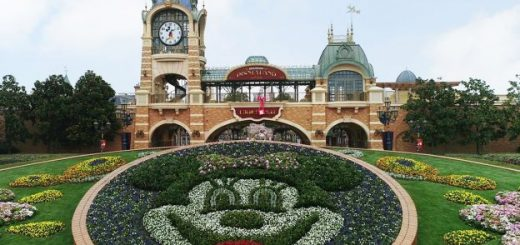 Shanghai Disney Resort in Spring