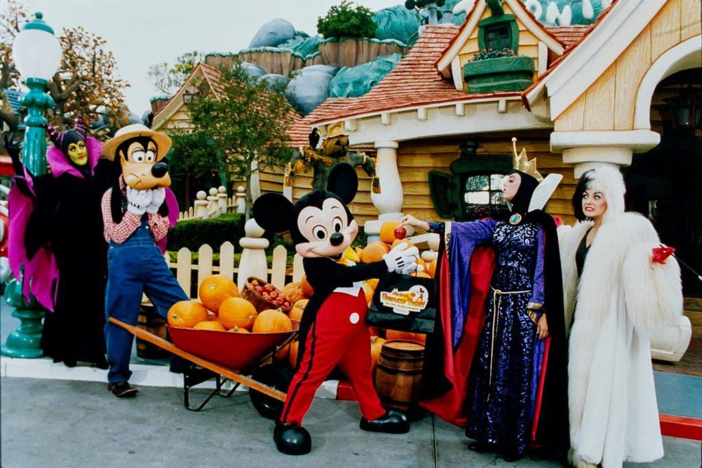Halloween Disney Parks