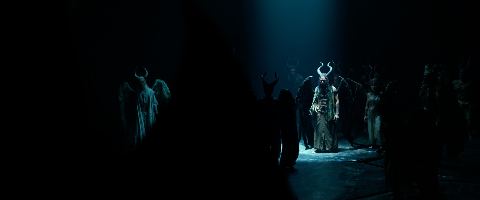 Maleficent Mistress Of Evil Costumes Are A Show Stopper