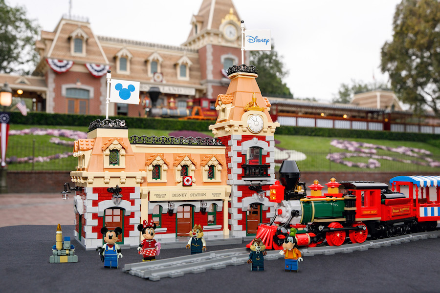 LEGO Disney Train Set