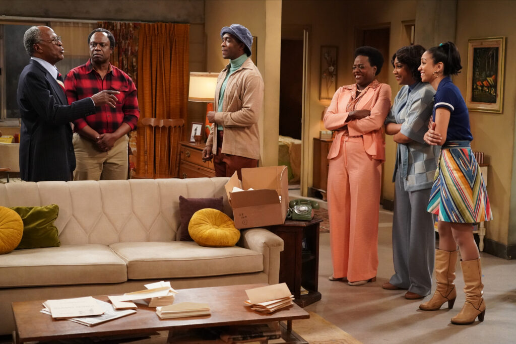 """LIVE IN FRONT OF A STUDIO AUDIENCE - """"Live in Front of a Studio Audience,"""" the live broadcast television event that captivated audiences with its all-star cast recreating episodes of """"All in the Family"""" and """"The Jeffersons"""" last spring, is set to return to ABC on Wednesday, Dec. 18, with newly recreated, live installments of Norman Lear and Bud Yorkin's Emmy(r) Award-winning series """"All in the Family"""" and groundbreaking sitcom """"Good Times,"""" created by Mike Evans, Eric Monte and developed by Lear. The holiday-inspired live event produced by Sony Pictures Television, will reunite executive producers Norman Lear, Jimmy Kimmel, Brent Miller, Will Ferrell and Justin Theroux. Kerry Washington, who portrayed Helen Willis of """"The Jeffersons"""" in the original special in the spring, will join as an executive producer. (ABC/Eric McCandless) WOODY HARRELSON, MARISA TOMEI, ELLIE KEMPER, KEVIN BACON, JESSE EISENBERG"""
