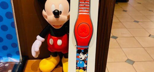 Mickey MagicBand