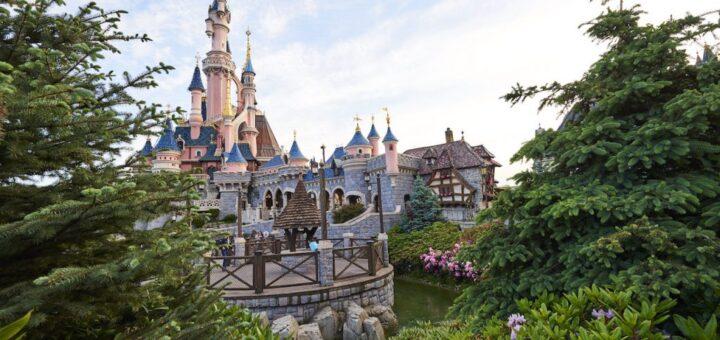 Disneyland Paris close
