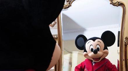 Mickey Social Distancing