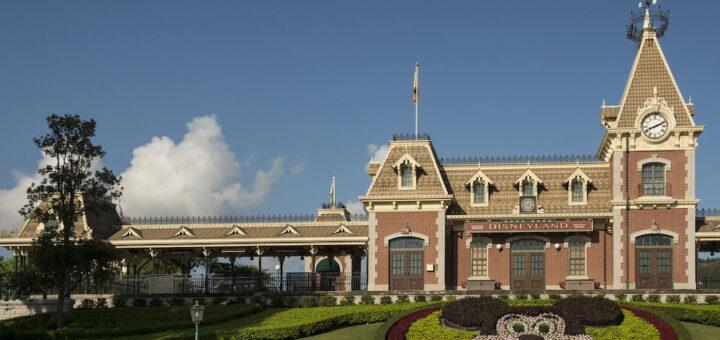 Hong Kong Disneyland Opening