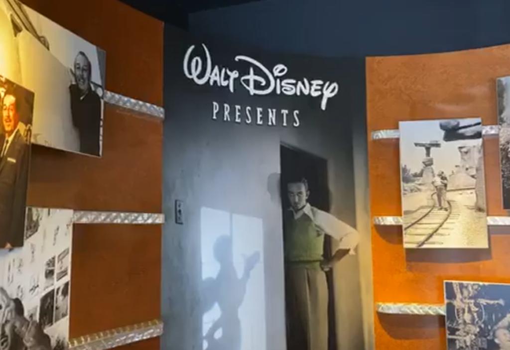 Mickey Blog