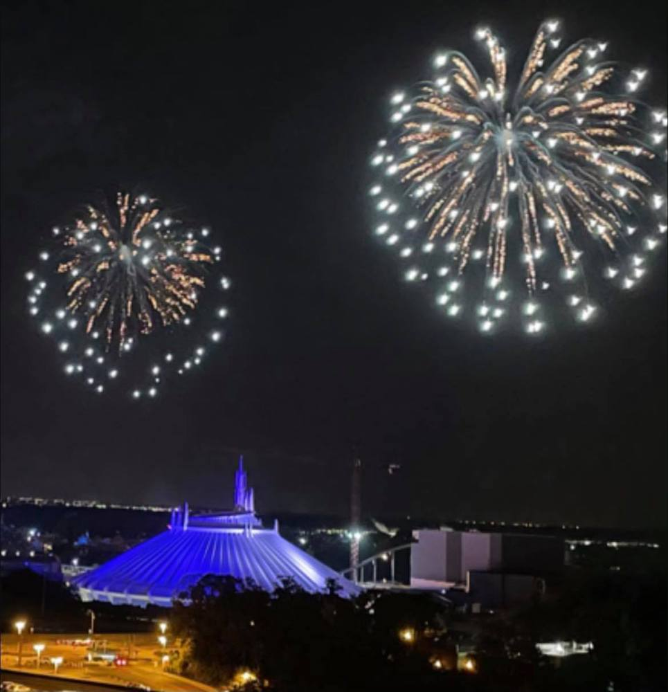 Magic Kingdeom fireworks