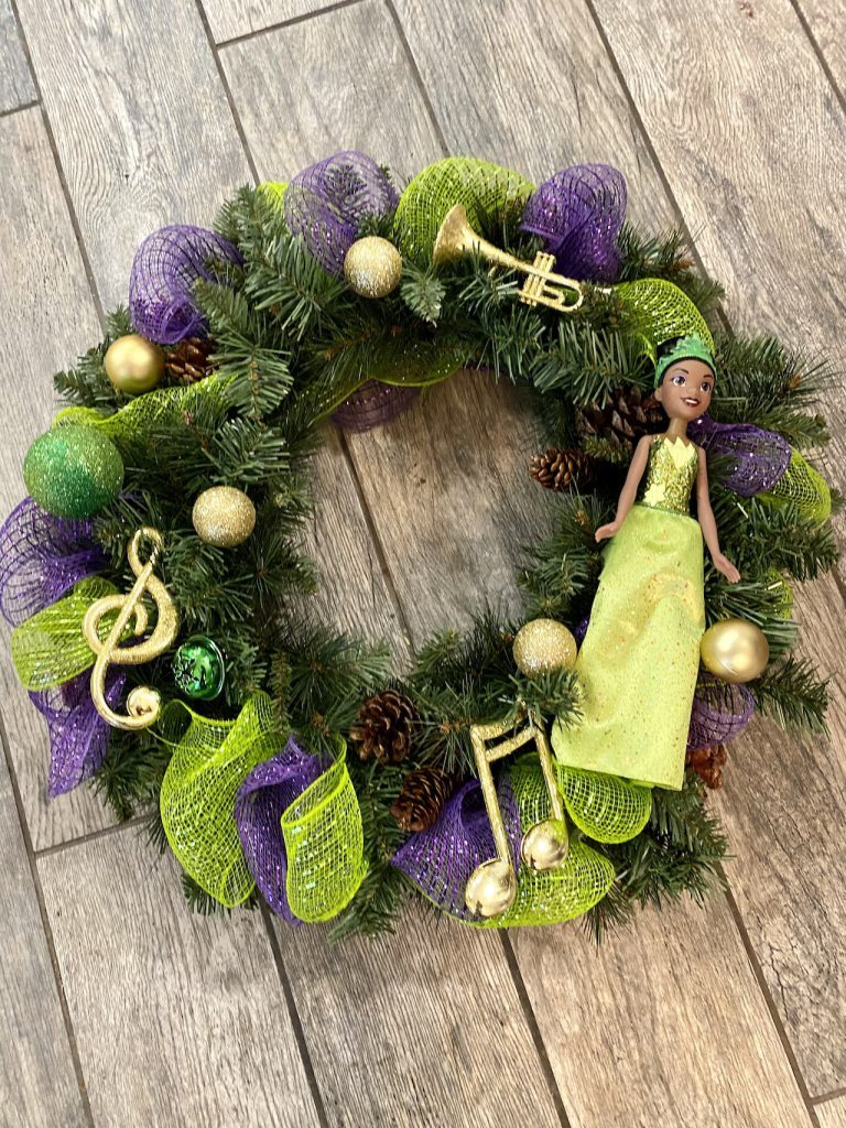 Disney Diy Learn How To Make Tiana Wreath And Gingerbread Mickey Ornaments Mickeyblog Com