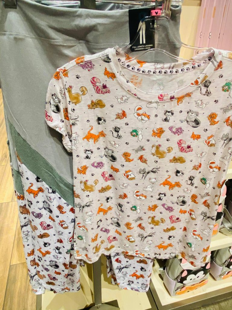 Cats Leggings and T-Shirt