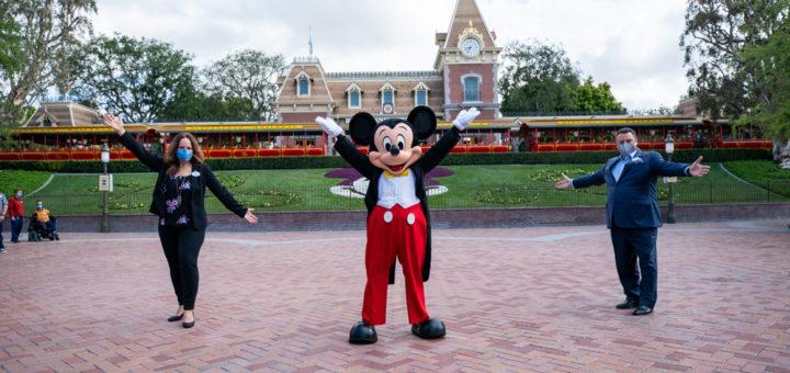 Disneyland return