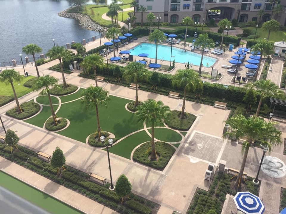 Riviera Resort Courtyard