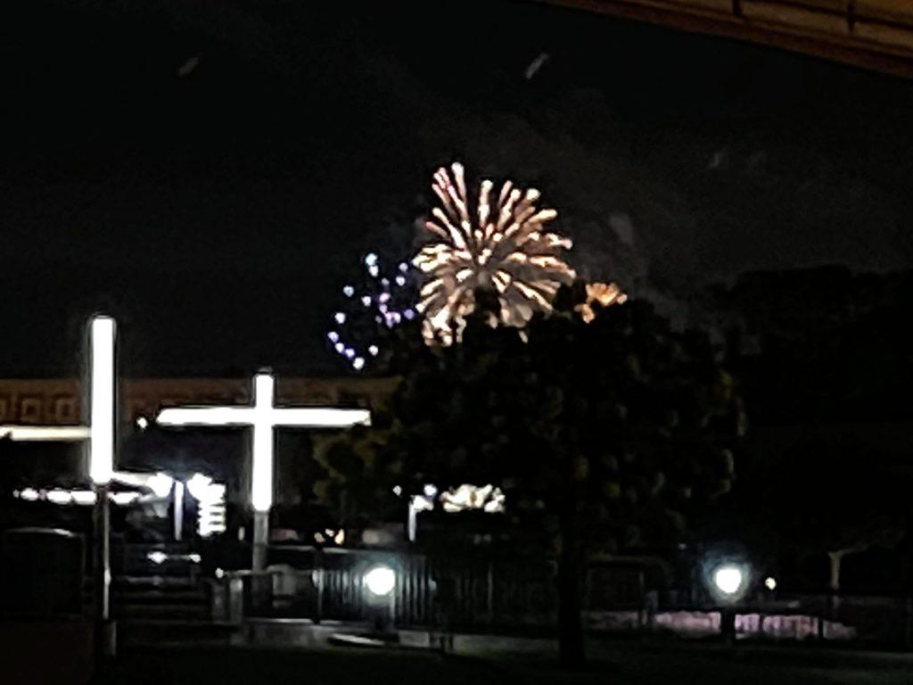 MagicalNewsLIVE, Hollywood Studios, Fireworks