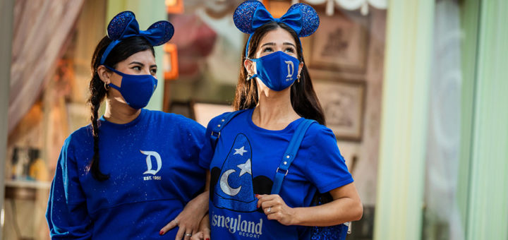 Plan the perfect visit to Disneyland for young adults with these tips! Disneyland young adults