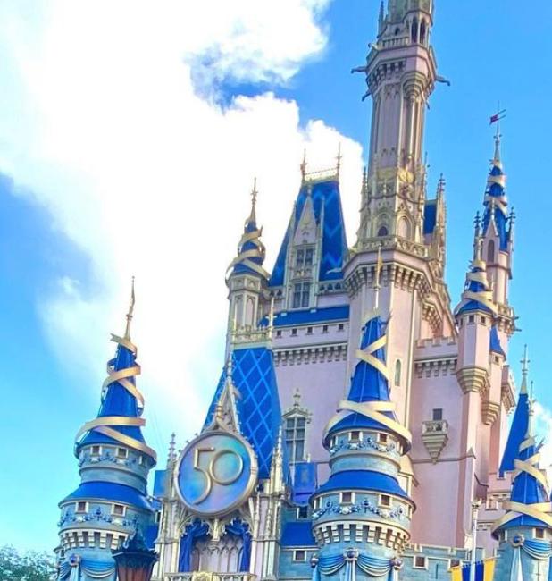 50th Anniversary Crest added to Cinderella's Castle
