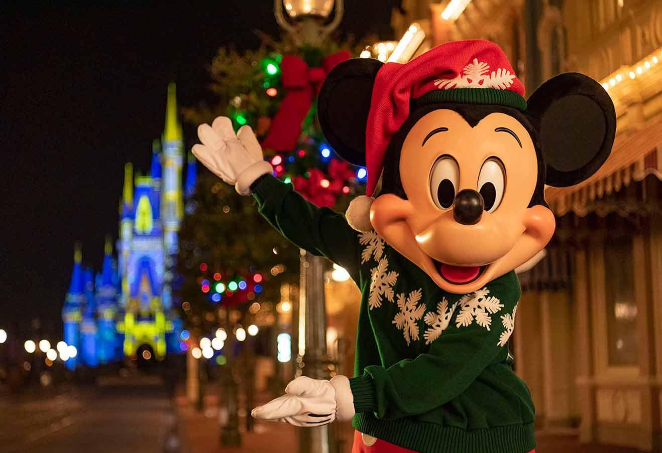 Mickey Christmas night