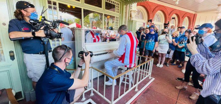 casey's corner pianist randy morris